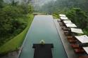 10 необикновени плувни басейна