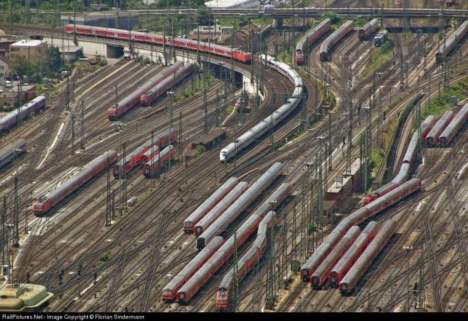 Frankfurt-railway-station-1