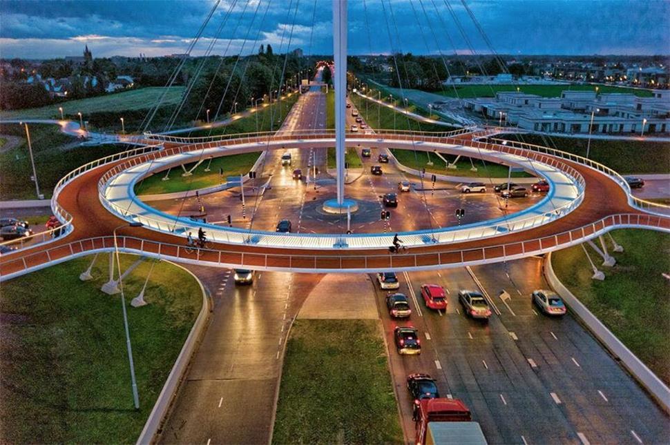Eindhoven-bridge-cyclists-1